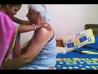 Desi hot mom