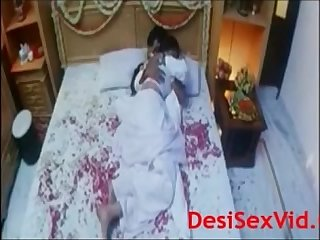 Desi bhabhi suhagraat video hot scene