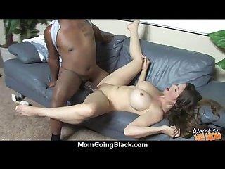 Big booty Mom 8