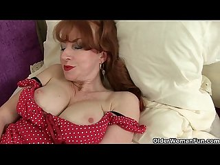 British milf red can t control her throbbing pussy