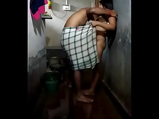HardCore Home Made Wife Indian Sex in Bathroom long Dick Video Part 1