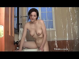 Lustful Yanks honey tegan mohr masturbates