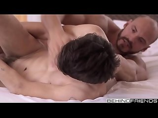 Behind Friends compilation: cumshots, bareback, bj, twinks,..