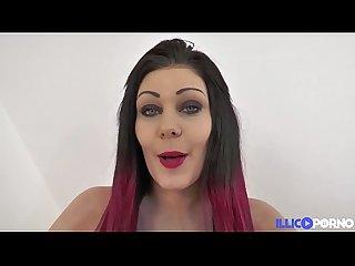 M�lissa voulait tester un black elle a le droit � quatre grosses bites