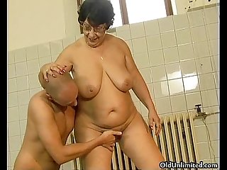 Thick old grandma gets her wet pussy