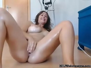 milf squirting on cam - MILFiliciouscams.com