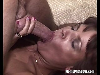 Brunette old lady sucking cock spreading her legs