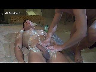 Basti und leo massage