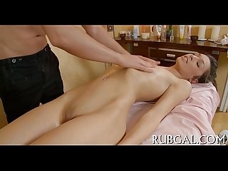 Hot chick makes deep-throat orall-service