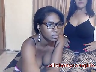 Ebony Mom and Daughter on Webcam Playing - allebonycamgirls.com