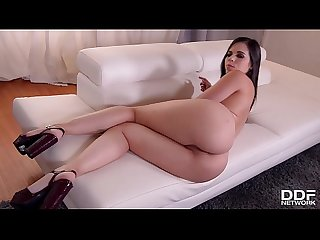 Spanish Se�orita Nekane shows off her curvy ass until you squirt