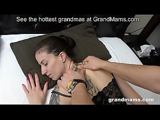 Mom loves blowjob and massage from stepson